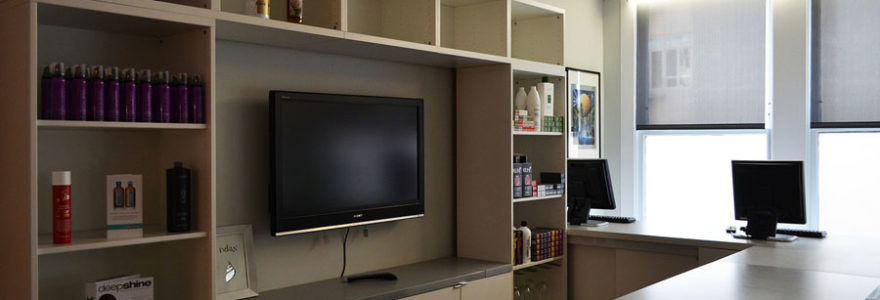 Comment éviter que votre meuble TV mural ne prenne pas trop de place dans votre salon